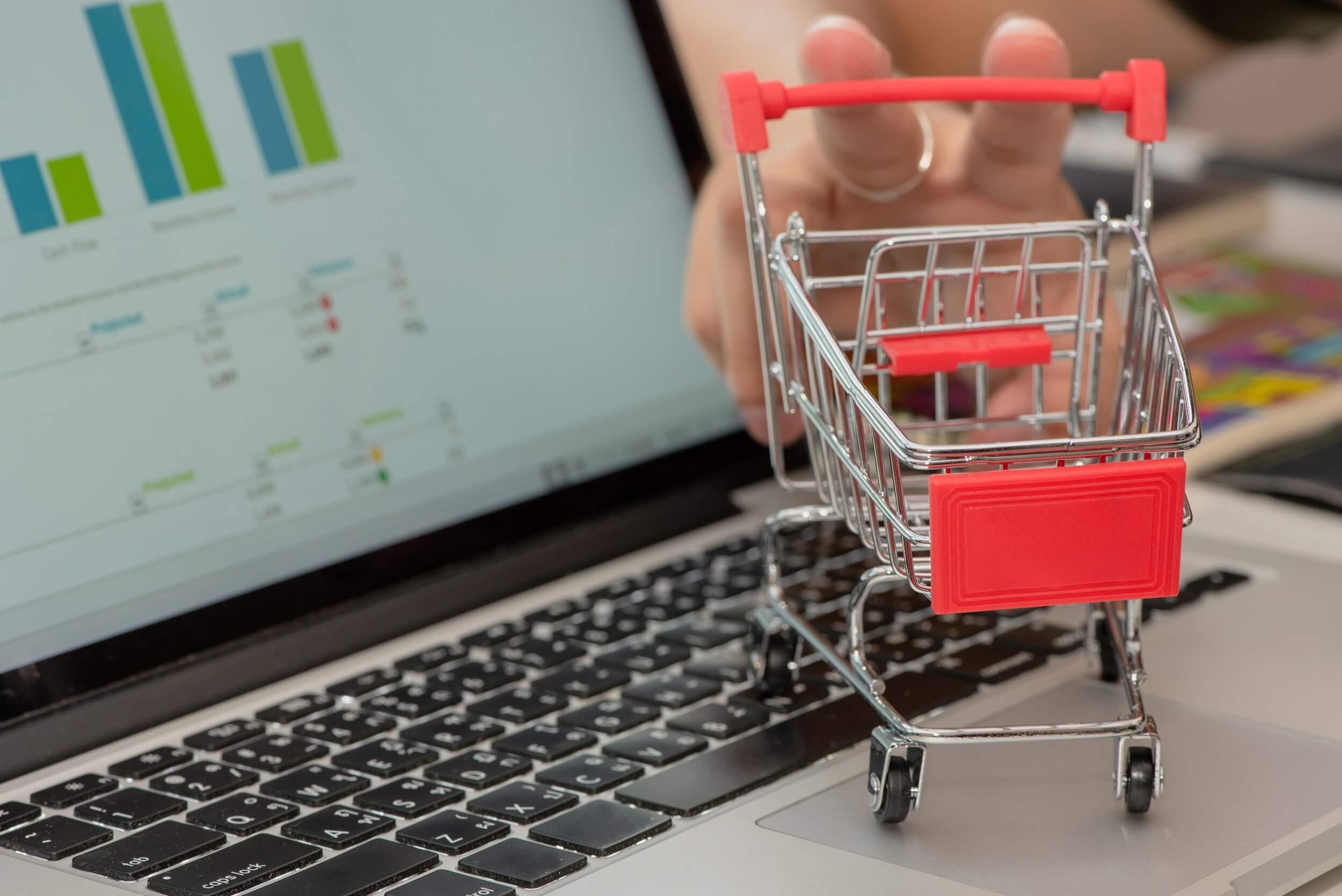 sklep internetowy a social media